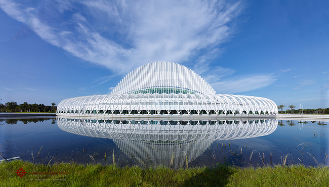 Photo © Alan Karchmer for Santiago Calatrava