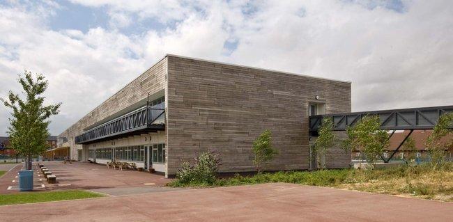Howe Dell primary school, image courtesy of akt-uk.com.