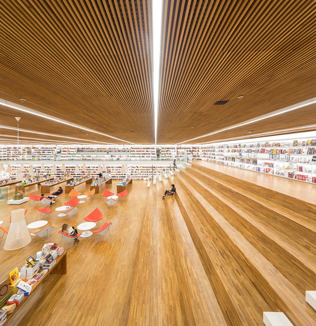 AZ Awards 2014 - Best Commercial/Institutional Interiors: Studio MK27: Cultura bookstore, São Paulo, Brazil. Photo courtesy of AZ Awards 2014.