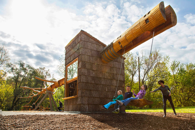 The large swing is fun for children and grown-ups alike. Courtesy VIMA.