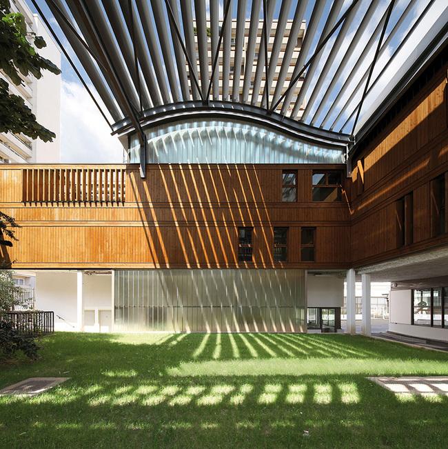 Nursery School and Municipal Workshops in Paris, France by Jean-François Schmit Architectes with Ingénierie Studio, SNC Lavalin (BET TCE)
