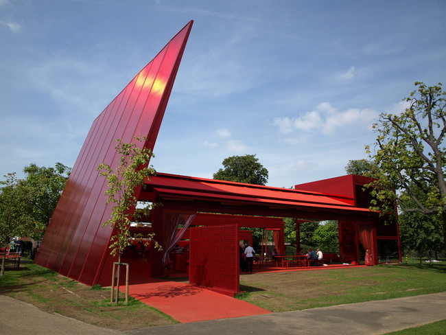 The 2010 Serpentine Pavilion by Jean Nouvel. Image via wikipedia.org