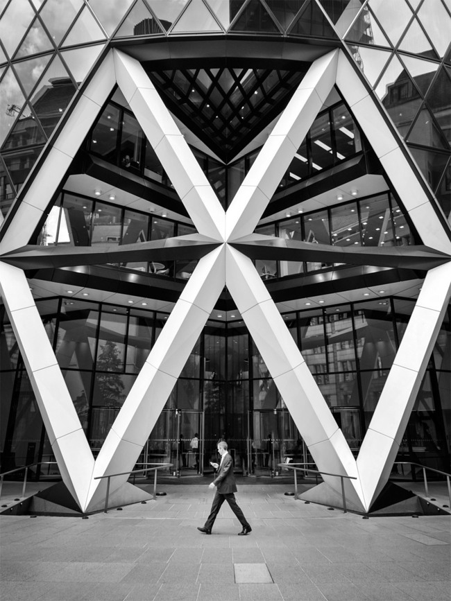 30 St Mary Axe, London. Architect- Norman Foster. © Edward Neumann : EMCN
