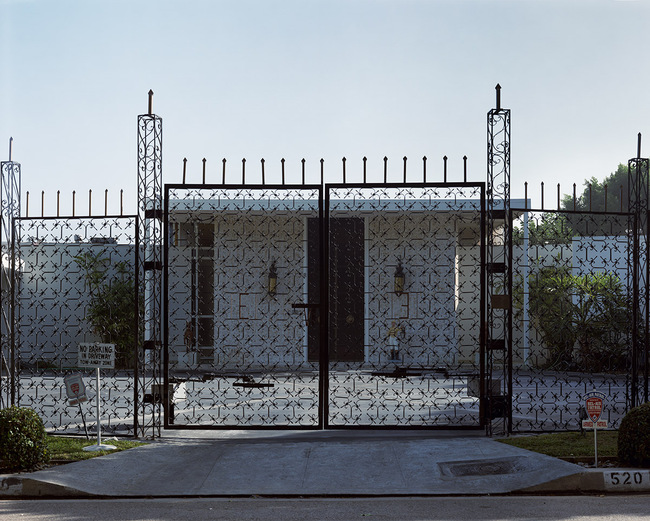 Catherine Opie, House #3, Beverly Hills (1995), Courtesy Regen Projects, Los Angeles  Catherine Opie 