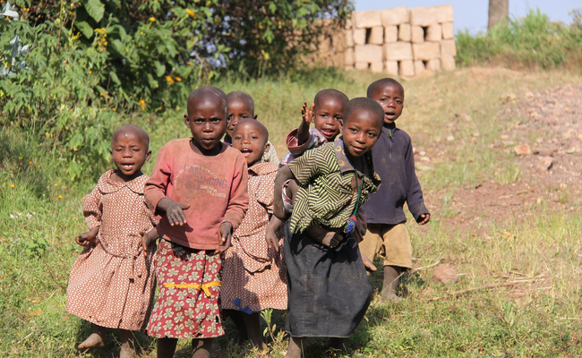Rwandan children (photo by Voyages Lambert via flickr)