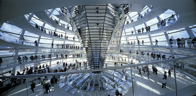 Foster + Partners, Reichstag, New German Parliament, 1992-1999, Berlin. Photo: Rudi Meisel.