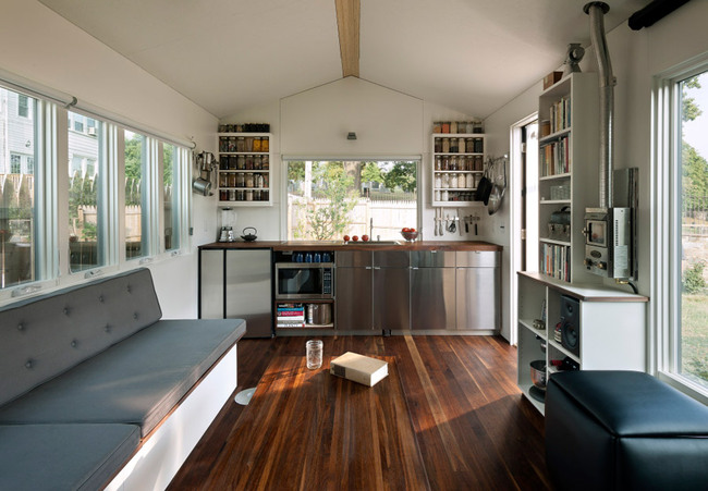 Marvelous Tiny Houses In The City Showcases Big Opportunities In Small Largest Home Design Picture Inspirations Pitcheantrous
