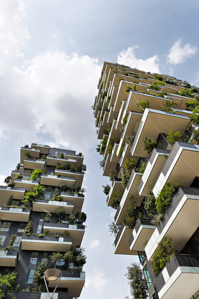 "WINNER OF INTERNATIONAL HIGHRISE AWARD 2014: ""Bosco Verticale"" by Boeri Studio. Photo © Kirsten Bucher"
