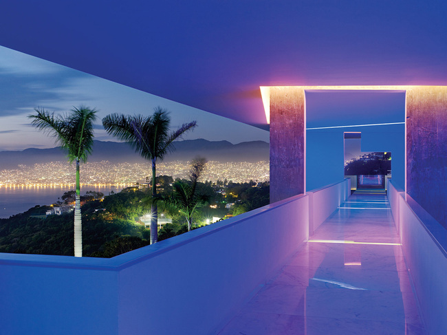 Photo: Joe Fletcher: Encanto Hotel by Miguel Àngel Aragonés Architect. Shot in Acapulco, Mexico, 2010. © Joe Fletcher