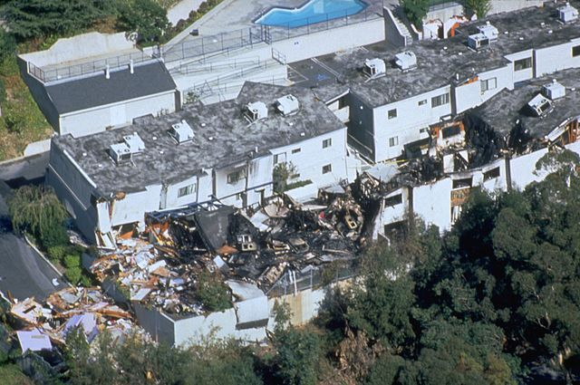 Some of the damage caused by the 6.7-magnitude earthquake in Northridge, California in 1994. Photo: FEMA News Photo.