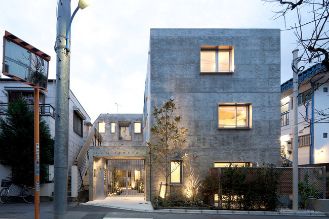 Yotsuya Tenera, Tokyo, Japan - Key Operation Inc / Architects (Photo: Toshihiro Sobajima)