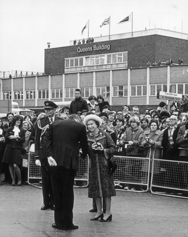Queen Elizabeth II at the 1955 opening of Heathrow's original Terminal 2. Image via keepcalmandharryon.com.