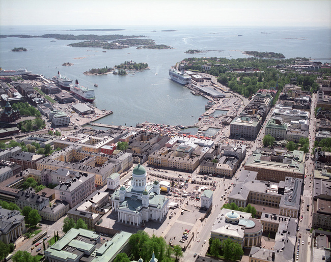 Helsinki's South Harbor seen from the North with the competition site on the right hand. Image via nexthelsinki.org