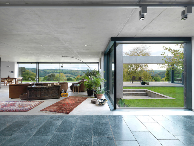 Outhouse, Forest of Dean by Loyn & Co Architects. Photo: Charles Hosea.