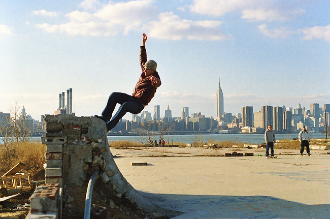 Skateboarders on the Williamsburg waterfront, 2001 | Photo by Daniel Campo, via urbanomnibus.net
