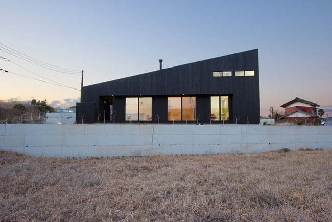 Onjuku Beach House in Onjuku, Japan by BAKOKO