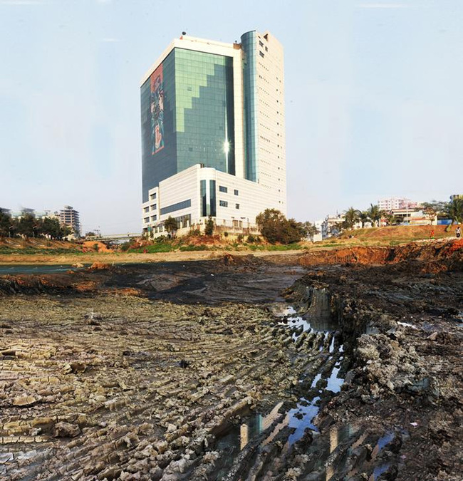 First Place Essay Competition: Tazrin Islam, Bangladesh University of Engineering and Technology, Dhaka, Bangladesh: The BGMEA building standing on the dying wetland