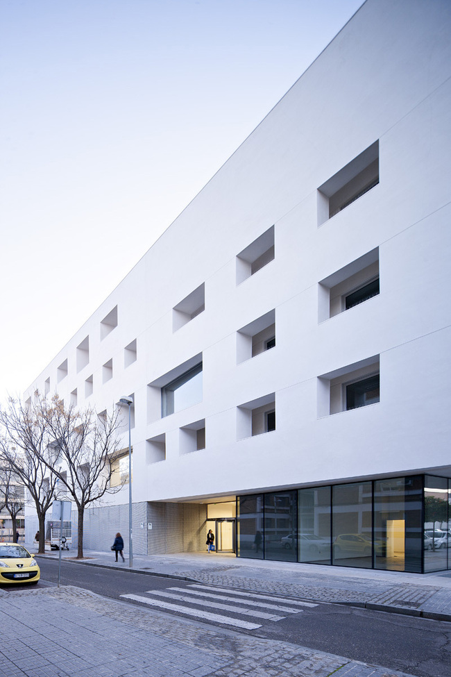 Education Centre for the University of Cordoba in Cordoba, Spain by Rafael de la-Hoz Arquitectos; Photo: Javier Callejas