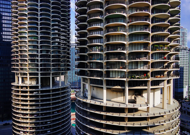 For many Marina City residents the summer of 2016 will be remembered as the Great Balcony Tease or 'Summer Bummer'. (Photo: Jeffrey Zeldman/flickr.)