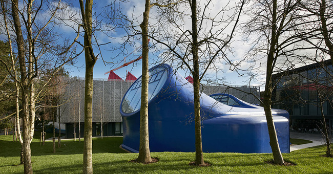 The Sir Peter Cook-designed drawing studio at the Arts University Bournemouth descended from outer space and opened to the public today. (Image via crab-studio.com)