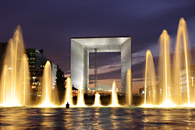 La Grande Arche is currently in a dilapidated state and must be refurbished. Credit: Wikipedia