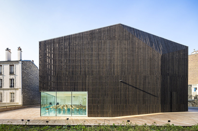 Urban Barn in Paris, France by ATELIER ZÜNDEL CRISTEA; Photo: Sergio Grazia