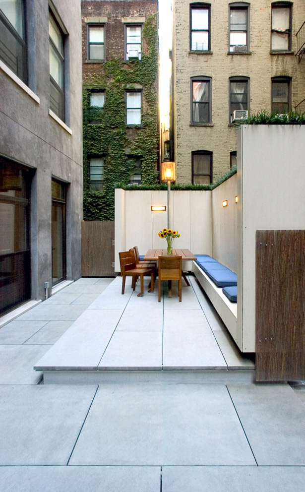 Chelsea Roof Terrace in New York, NY by James Cleary Architecture, Landscape Design: Rumsey Farber Landscape Architecture, Photo: Jason Valdina