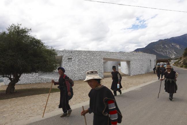 Niyang River Visitor Center / Tibet standardarchitecture/ Zhao Yang Studio 2010 Photo by: Chen Su