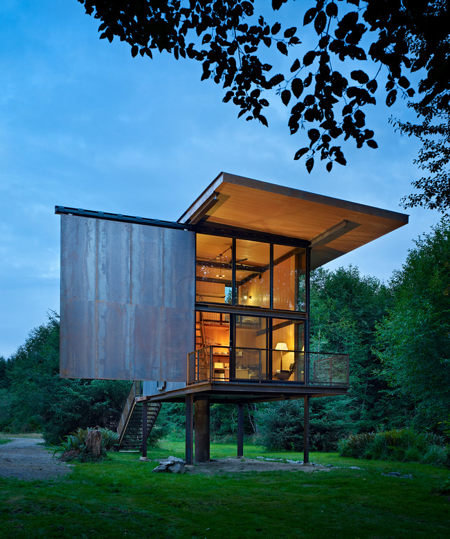 Sol Duc Cabin (Seattle) by Olson Kundig Architects. Photo: Benjamin Benschneider