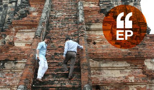Pomeroy visits Wat Chaiwattanaram in Thailand. Image courtesy of Pomeroy Studios
