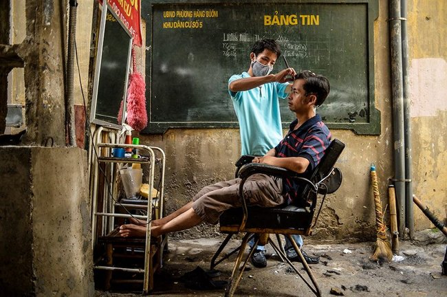 "EMERGING TALENT JURY WINNER: Binh Duong - ""Street Barber"""