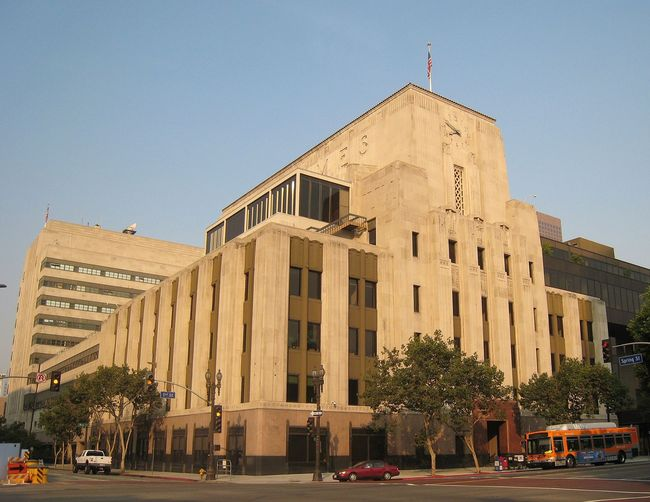 The Los Angeles Times building. Image via wikimedia.org