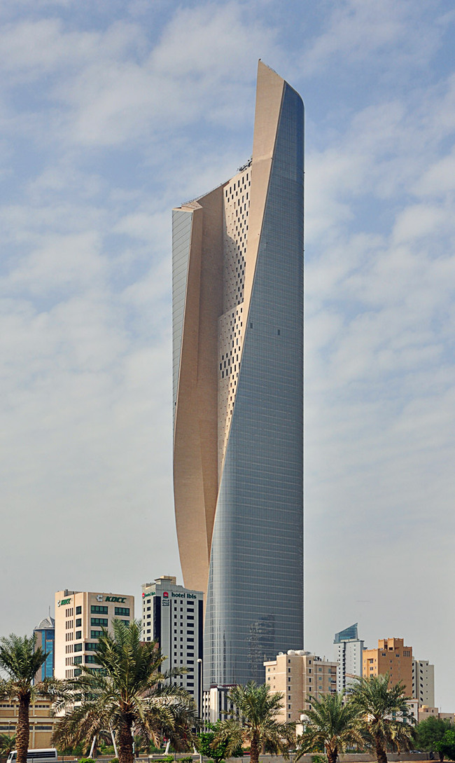 Emporis Skyscraper Award 2nd Place winnder Al Hamra Tower, Kuwait City, 412 m, 80 floors (Copyright- Pawel Sulima _ SOM)