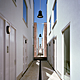 bright white alley facades (photo: Ruben Dario Kleimeer)